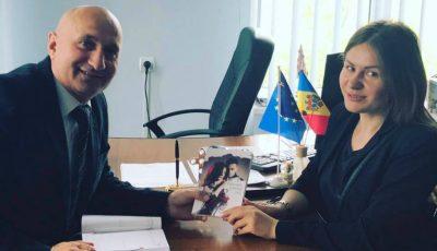 """Tatiana Spînu își lansează cu fast romanul """"Parfumul scrisorii tale"""""""