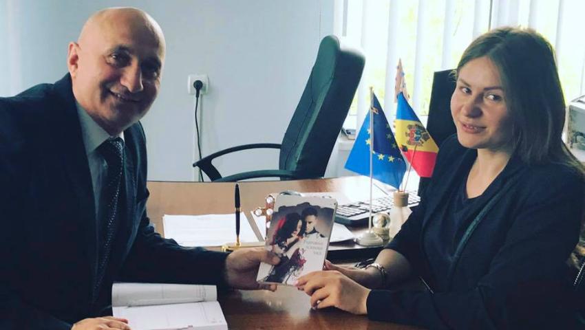 """Foto: Tatiana Spînu își lansează cu fast romanul """"Parfumul scrisorii tale"""""""