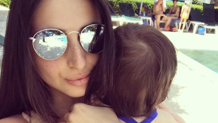 Foto: Elena Bivol, în vacanță cu fiica sa. Cât de stilate sunt cele două