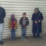 Foto: Un turc și trei afgani ascunși în remorca unui camion cu detergent condus de un moldovean