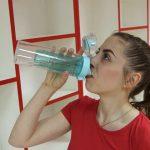 Foto: Duci un mod de viață activ și ești mereu în mișcare? Hidratează-te cu cap, nu doar cu apă!