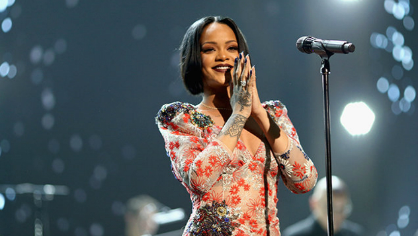 Foto: Cine este moldoveanca care va cânta cu Rihanna!