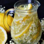 Foto: Limonadă cu flori de soc