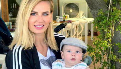 Andreea Bănică își va boteza fiul duminică! Ce surprize le-a pregătit invitaților?