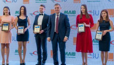 Burse de merit pentru cei mai buni studenți din Moldova!