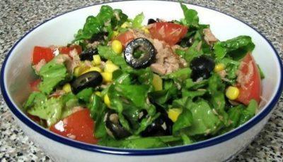 Salată verde cu ton