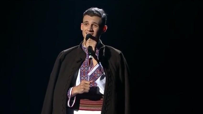 """Foto: Video! Gabriel Nebunu, moment autentic de folclor în semifinala de la ,,Românii au Talent""""! Vezi cum i-a impresionat pe jurați"""
