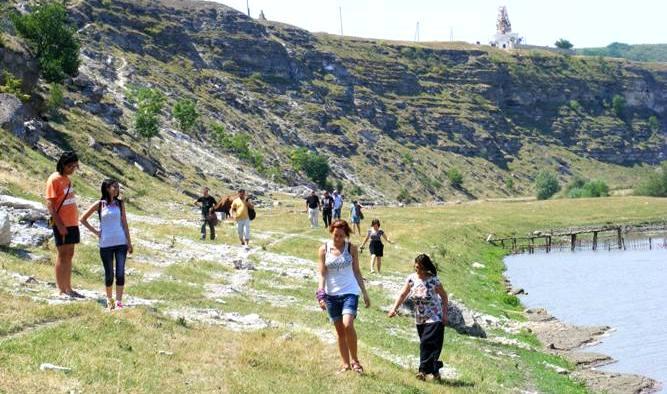 turisti_orheiul-vechi
