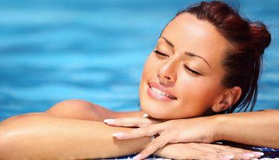 Cum îngrijim tenul vara? Hidratarea este secretul frumuseții!