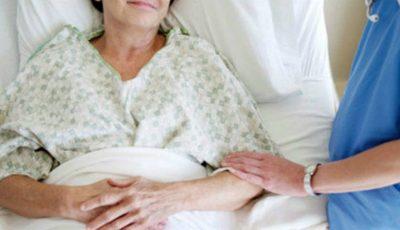 O asistentă medicală a notat ce i-au spus pacienții în clipa morții. Iată care sunt cele mai des întâlnite destăinuiri ale muribunzilor