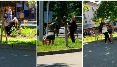 Două femei în stare de ebrietate au rupt trandafirii de pe o alee din Chișinău