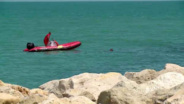 O fetiță de 11 ani din Chisinău, dată disparută după ce a fost trasă de curenți în mare