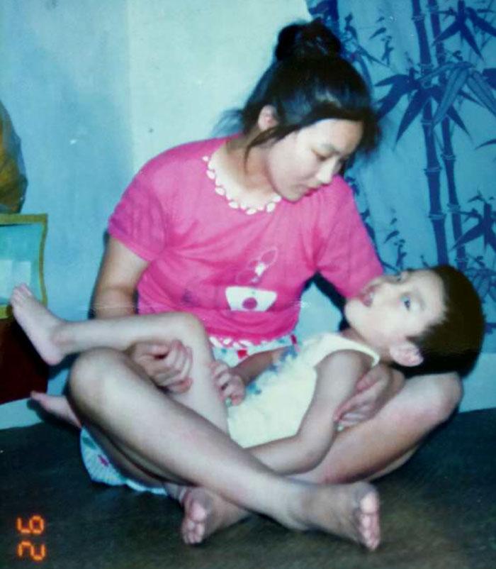 Mama-devotata-care-nu-a-renunat-la-fiul-ei