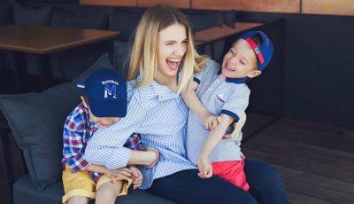 Olga Manciu și gemenii săi, într-o ședință foto emoționantă