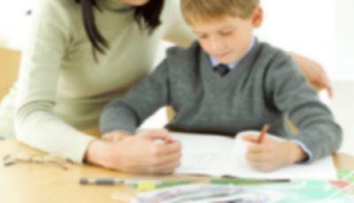Părinţii cer ministrului interzicerea meditaţiilor cu profesorul de la clasă