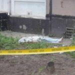 Foto: Un tânăr din Capitală a murit pe loc, după ce s-a aruncat în gol de la etajul unui bloc de locuit!