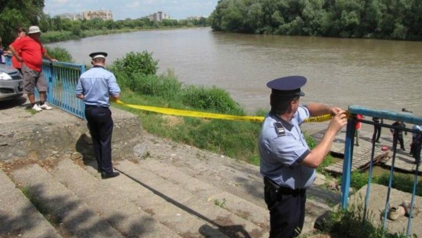 Foto: O fetiță de 11 ani s-a înecat în râul Nistru