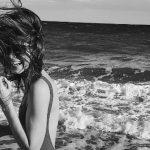 Foto: Irina Negară, sexy în costum de baie