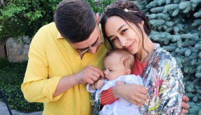 Daniela Culev și fiul său au doar apariții stilate. Vezi cu cine seamănă cel mic!