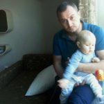 Foto: Micuțul Teodor are cancer la rinichi. Să-l ajutăm împreună să se vindece