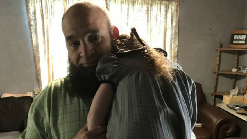 Foto: Acest bărbat are grijă de copiii bolnavi în fază terminală
