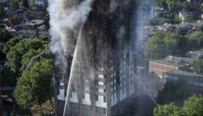Un copil aruncat de la etajul 10 a fost prins de un bărbat în timpul incendiului din Londra