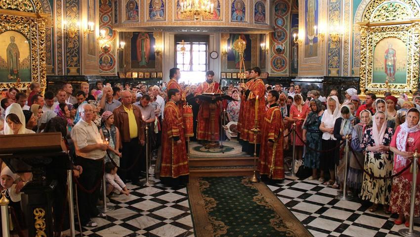 Foto: A început Postul Sâmpetrului. Ce n-au voie să facă creștinii ortodocși