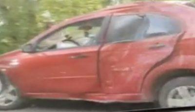 Un automobil a fost facut zob după ce s-a izbit într-un stalp de electricitate pe șoseaua Muncești