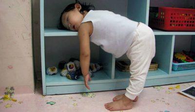 Copiii pot dormi oriunde. 15 imagini care demonstrează acest lucru