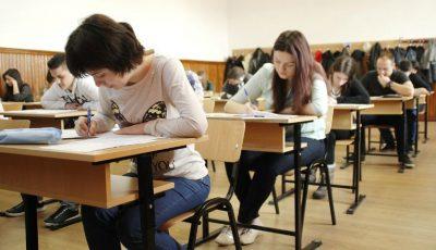 Liceenii susțin astăzi examenul de bacalaureat la limba de instruire