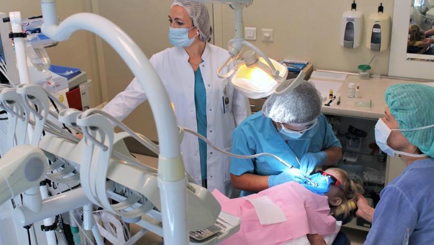 Foto: NOU! Tratamente stomatologice sub anestezie generală pentru copii – fără stres și fără dureri