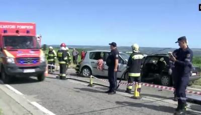 Accident grav: Doi salvatori morţi şi o femeie în stare gravă la spital