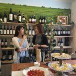 Foto: În Japonia a fost deschis un magazin de vinuri moldovenești