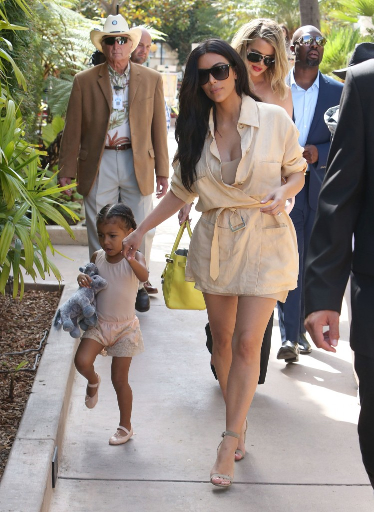Kim-Kardashian-hepta_2505862-749x1024