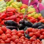 Foto: Prețuri mai mici la legume în piețele din Capitală!