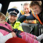 Foto: Poliția verifică șoferii din R. Moldova care transportă copii