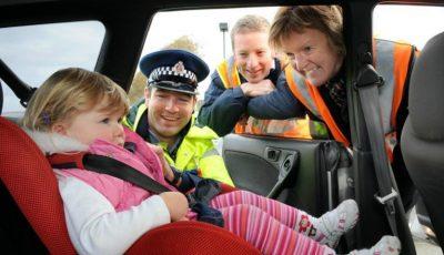 Poliția verifică șoferii din R. Moldova care transportă copii