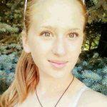 Foto: O tânără de 16 ani a dispărut fără veste. Rudele sunt în alertă!
