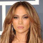 Foto: Cum arată Jennifer Lopez la 48 de ani în costum de baie