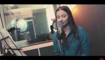 """Fenomenal! O româncă a transformat """"Despacito"""" într-o baladă"""