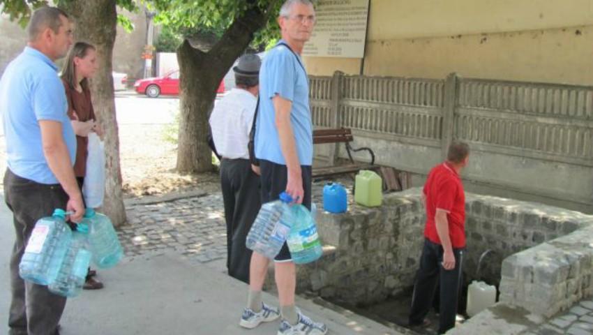 Foto: În Capitală a fost instalată o cișmea cu apă potabilă