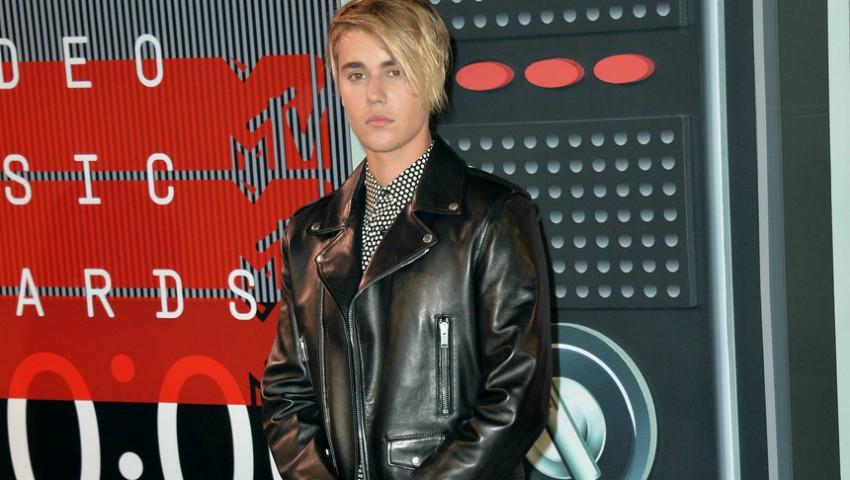 Foto: Justin Bieber a lovit cu mașina un paparazzo