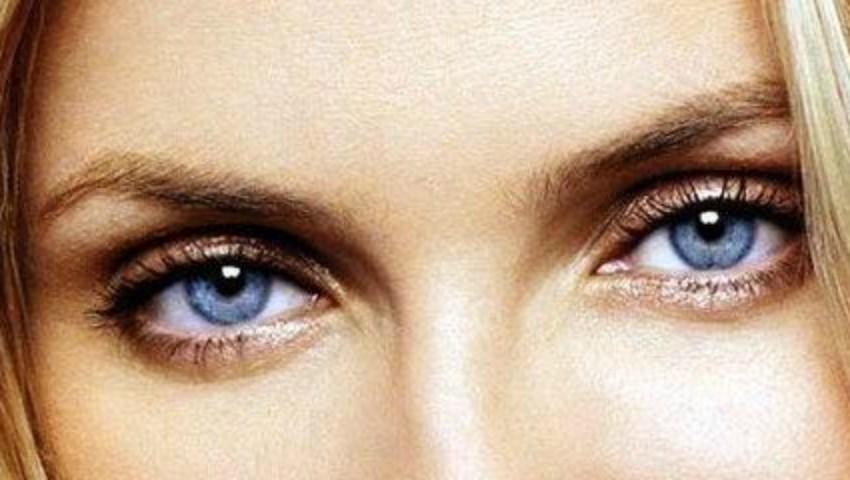 Foto: Trucuri de  machiaj pentru femeile cu ochii albaștri