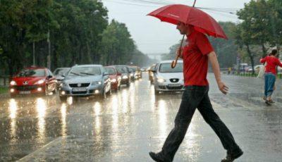 Pentru astăzi, Meteorologii anunță ploi cu descărcări electrice