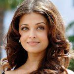 Foto: Secretul actriţei Aishwarya Rai pentru un ten perfect