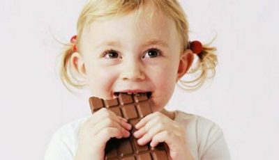 Sfaturi pentru părinți! Cum îți convingi copilul să renunțe la dulciuri