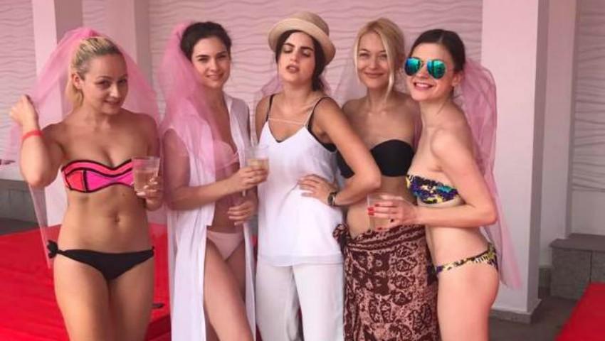 Foto: Gloria Gorceag în costum de baie, alături de prietene la petrecerea burlăcițelor