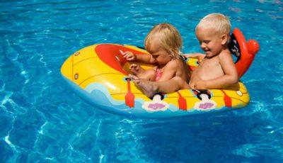 Cele mai frecvente boli ce pot fi transmise copiilor prin apa din piscină