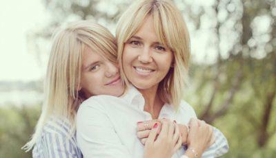 Mamele arată la fel de bine ca și fiicele lor