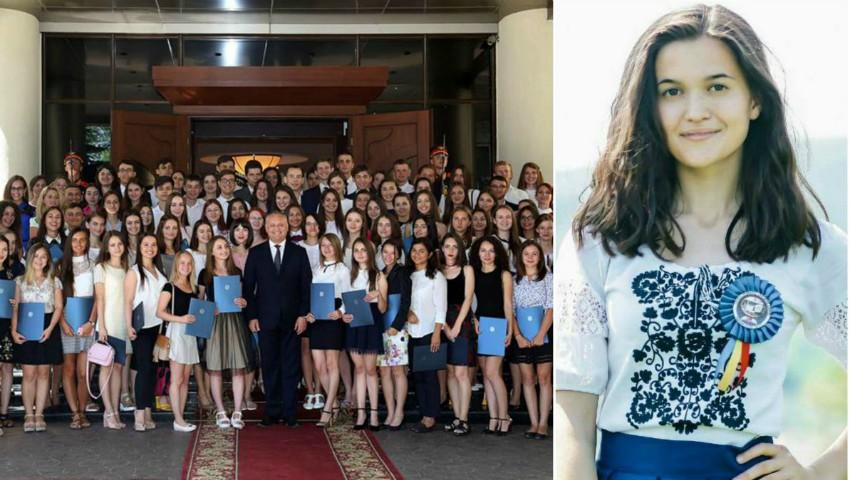 Foto: O absolventă a refuzat diploma oferită de președintele Dodon